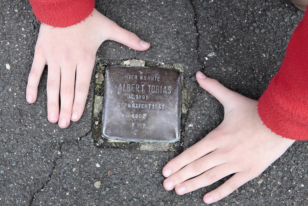 Stolperstein für Albert Tobias, Menzelstraße