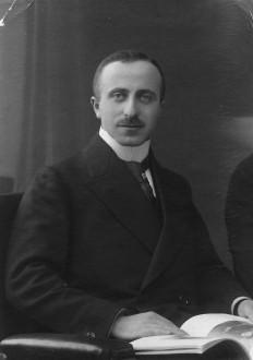 Dr. Curt Gaertner