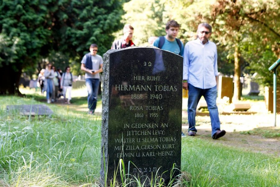 A grave stone for Hermann Tobias could be placed at the Jewish cemetery of Cologne-Bocklemünd in 2013