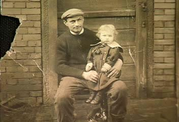 Julius Oestreich with his son Max.